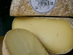 Picture of Wyfe of Bath (apx 180g, £24 / kg)
