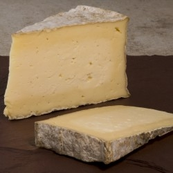 Picture of Duckett's Aged Caerfilli (apx.180g, £18.50 / kg)