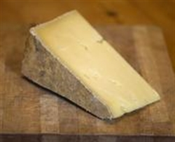 Picture of Lincolnshire Poacher Cheese (apx. 225g, £17.56 / kg)
