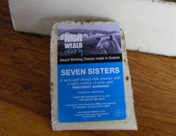 Picture of Seven Sisters Sheep Cheese (apx 142g)
