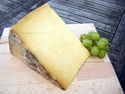 Picture of Wobbly Bottom Smoked Cheddar (175g)