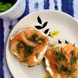 Picture of Smoked Salmon & Cream Cheese Bagel Bundle